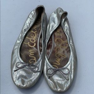 Same Edelman silver metallic flats